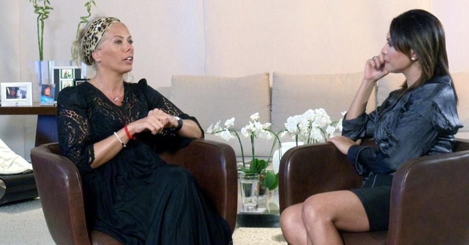 Adriane Galisteu recebe a apresentadora Márcia Goldschmidt em sua casa, em São Paulo (21/10/10)