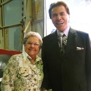 Palmirinha realiza o sonho de conhecer Silvio Santos no SBT (19/10/10)