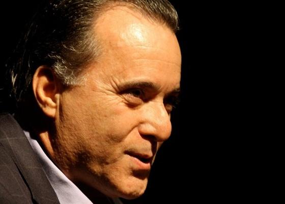Tony Ramos discursa durante o 4º ciclo Escritores Brasileiros no CCBB, no centro do Rio (12/10/10)