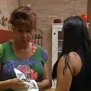 Melancia conta para Nany que Janaina quer colocar ela para Roça (29/10/10)
