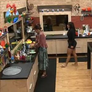 Nany People e Andressa Soares conversam na cozinha (31/10/10)