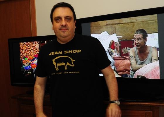 Rodrigo Carelli, diretor de A Fazenda 3, diz que o segredo do sucesso da terceira edição foi a escolha do elenco, a divisão em três grupos e o susto que os peões levaram no primeiro dia
