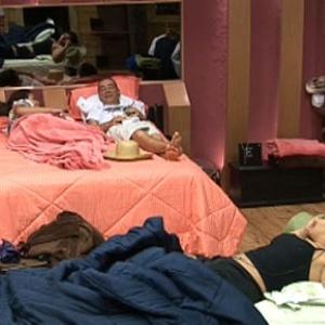 Carol, Carrasco e Melancia falam sobre festa desta sexta-feira (5/11/10)