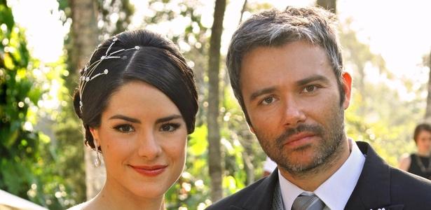 Filomena e Tito , interpretados por Liliana Castro e  Ângelo Paes Leme, em Ribeirão  do Tempo, vão se casar