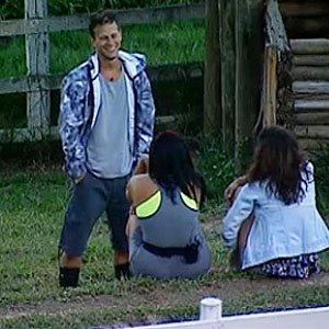 Na Roça, Dudu e Ana Carolina recebem visita de Mulher Melancia (10/11/10)