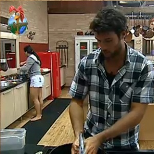 Daniel Bueno e Andressa Soares dizem que se sentem em casa na fazenda (14/11/10)
