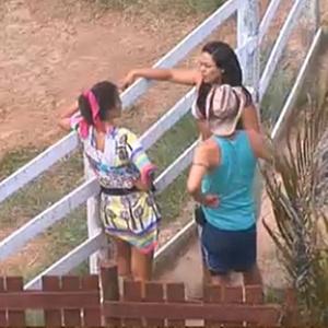 Ana Carolina Dias e Carlos Carrasco visitam Andressa Soares (18/11/10)