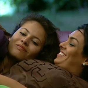 Ana Carolina Dias conversa com Mulher Melancia na madrugada desta sexta (19/11/2010)