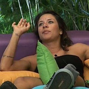 Lizzi Benites fala sobre gravidez da irmã (21/11/10)