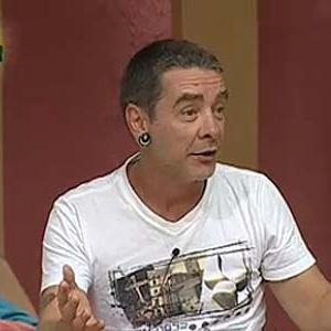 Carlos Carrasco canta no quarto da sede (22/11/10)