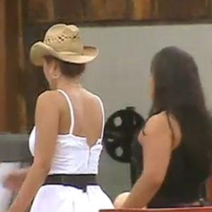 Ana Carolina e Melancia especulam a formação da Roça (23/11/10)