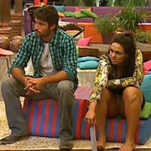 Daniel Bueno conversa com Mulher Melancia na varanda (24/11/2010)