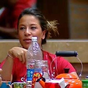 Lizzi Benites diz que ficou chateada com críticas de Janaina (25/11/10)