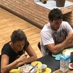 Daniel e Piu-Piu não acreditam na volta de Janaina (26/11/10)