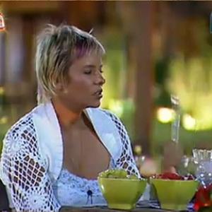 Luiza conversam com Sergio e Andressa durante o jantar especial (27/11/10)