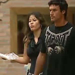 Ana Carolina e Daniel se preparam para mais um dia de tarefas (28/11/10)