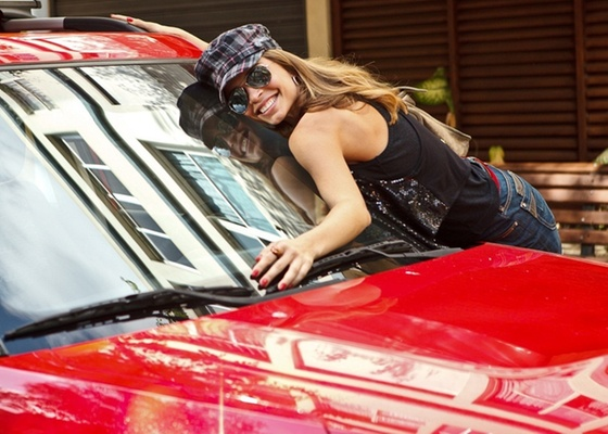 Grazi Massafera posa como Michelle, sua personagem em As Cariocas (30/11/10)