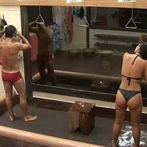 Sergio Abreu e Ana Carolina fazem dueto no banheiro (29/11/10)