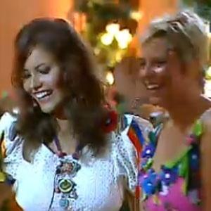 Ana Carolina Dias e Luiza Gottschalk se divertem em Festa Latina (03/12/2010)