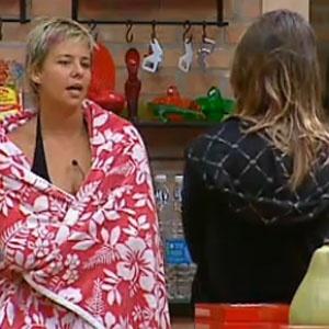 Luiza Gottschalk e Lizzi Benites têm conversa importante na cozinha (05/12/2010)