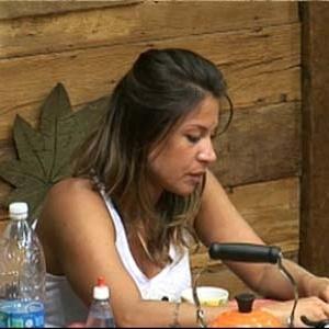 Lizzi Benites diz que saudade de família está muito forte (06/12/10)