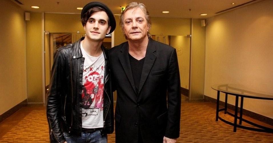 Fiuk e Fábio Jr. chegam ao hotel para a coletiva de imprensa de