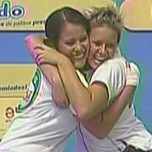 Carol e Luiza comemoram vitória em prova disputada na tarde desta quarta-feira (08/12/2010)