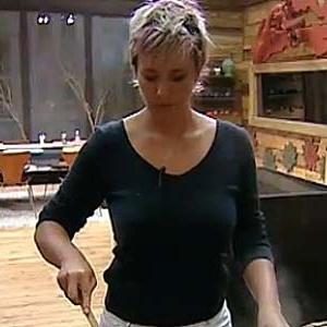 Luiza Gottschalk cozinha omelete para os peões (09/12/10)