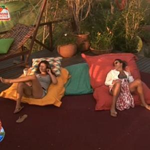 Lizzi Benites e Ana Carolina Dias conversam sobre a festa dessa noite (10/12/10)