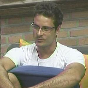 Sergio Abreu não se mostrou muito satisfeito com a volta de Daniel para a sede (09/12/2010)