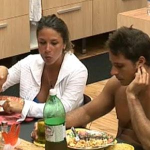 Lizzi e Sergio Abreu aprovam o almoço preparado por Luiza (12/12/10)