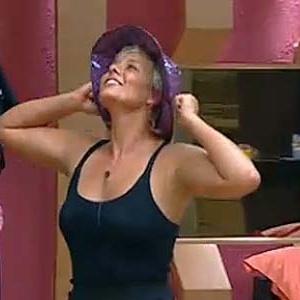 Luiza Gottschalk dança para os peões na tarde deste domingo (12/12/10)