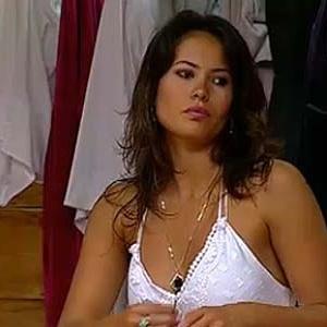 Ana Carolina Dias coloca vestido para noite sertaneja (13/12/10)