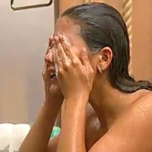 Carol tenta esfriar a cabeça após perder Desafio Semanal por apenas um ponto (13/12/2010)