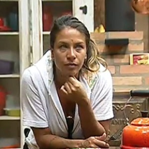 Lizzi Benites conversa com Daniel Bueno na madrugada desta terça-feira (13/12/2010)