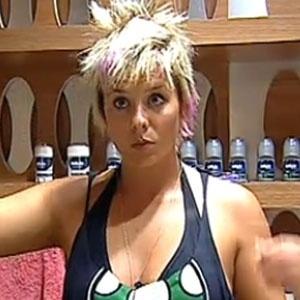 Luiza Gottschalk foi eliminada de A Fazenda 3 com 50,7% dos votos (20/12/10)