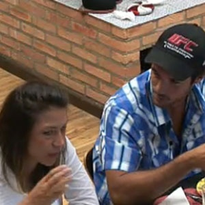 Daniel Bueno e Lizzi Benites tomam café da manhã (21/12/10)