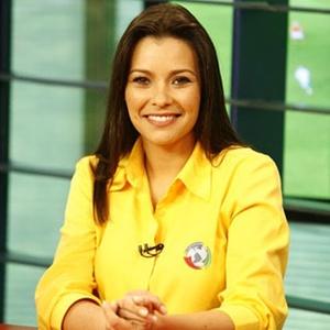 Débora Vilalba é jornalista e apresentadora da Band