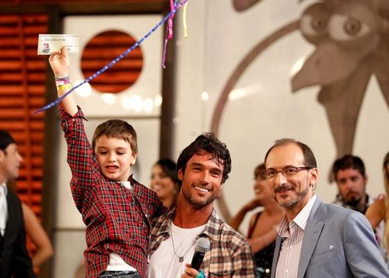 Luke, Daniel Bueno e Britto Jr. na final de A Fazenda 3