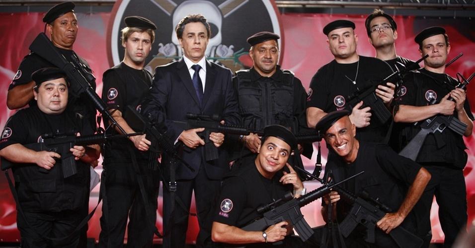 Tom Cavalcante posa com a turma do Bofe de Elite (dezembro/2010)