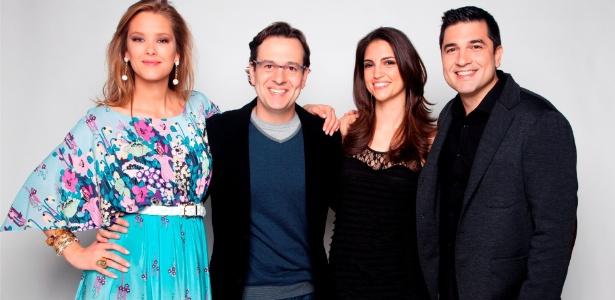 Giane Albertoni (à esq.), Celso Zucatelli, Cris Flores e Edu Guedes (à dir.) apresentadores do Hoje em Dia da Record (2010)
