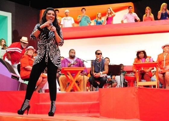 Regina Casé apresenta o programa Esquenta! (2/1/11)
