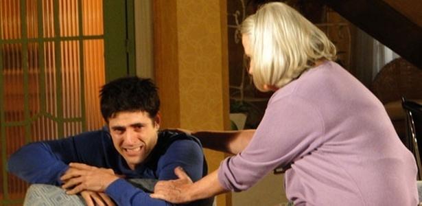 Reynaldo Gianecchini e Vera Holtz em cena de