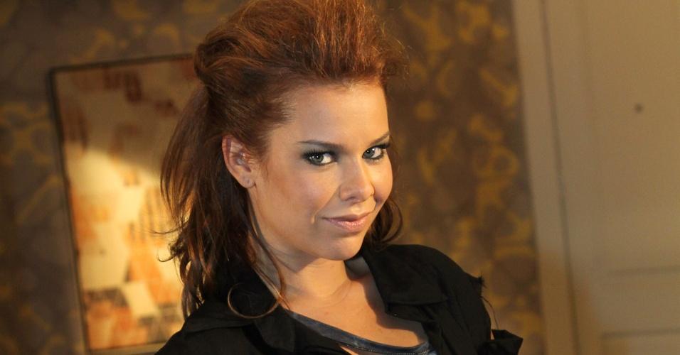 A atriz Fernanda Souza, a Thaísa da novela