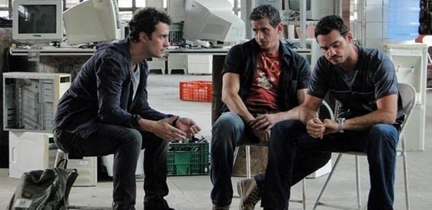 Gabriel Braga Nunes, Breno de Felippo e Paulo Vespúcio em cena de