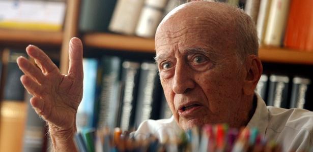 O desenhista, jornalista, dramaturgo e escritor Millôr Fernandes (2006) - Ricardo Moraes/Folhapress