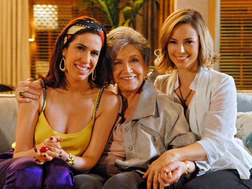 As atrizes Maria Clara Gueiros (à esq.), Nathalia Timberg e Paola Oliveira (à dir.) que atuam juntas em
