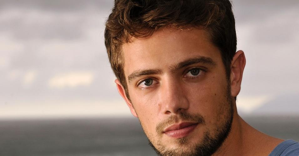 O ator Rafael Cardoso (21/2/2011)