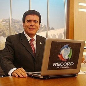 O apresentador Wagner Montes (2011)