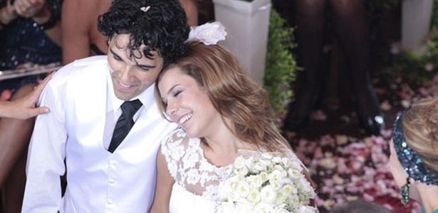 Josafá Filho e Fernanda Souza em cena de